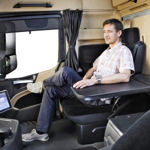 Mercedes-Benz Actros, Fahrerhaus, Interieur ;  Mercedes-Benz Actros, drivers cab, interior;